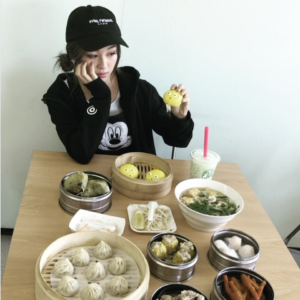 Influencer_eating_at_The_Dim_Sum_Co._Emily_Ghoul